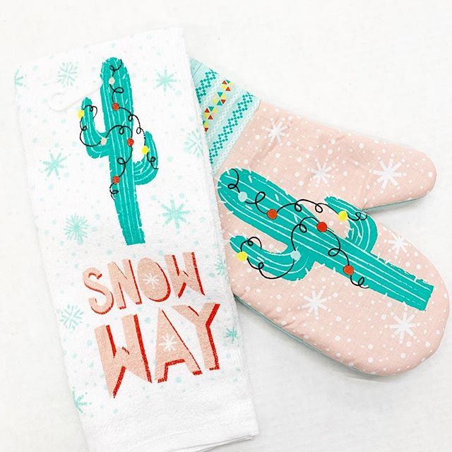 Christmas Kitchen Towels At Walmart: Holiday Time Cactus Kitchen Towel And Oven Mitt
